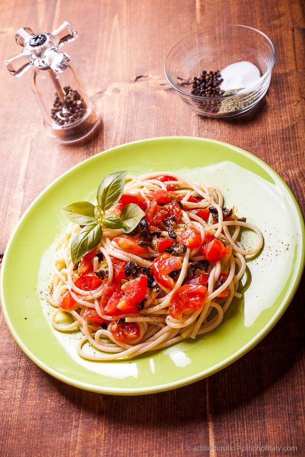 Cold Spaghetti Salad With Ripe Tomatoes