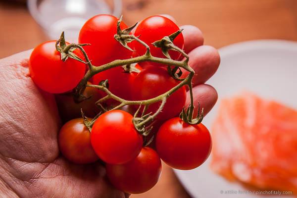 1 oz (100g) of Cherry Tomatoes